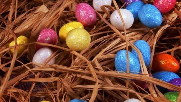 Barevná tradiční slavnostní velikonoční vajíčka Paschal