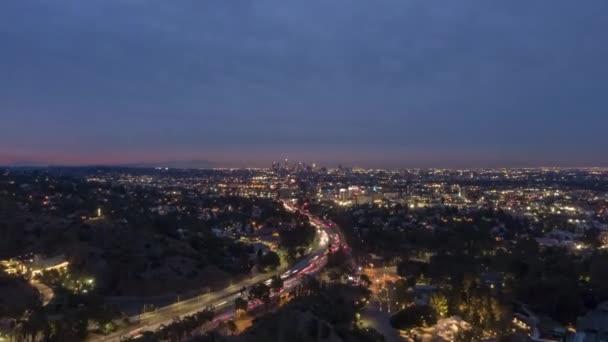 Los Angeles Skyline v Morning Twilight. Kalifornie, USA. Letecký pohled