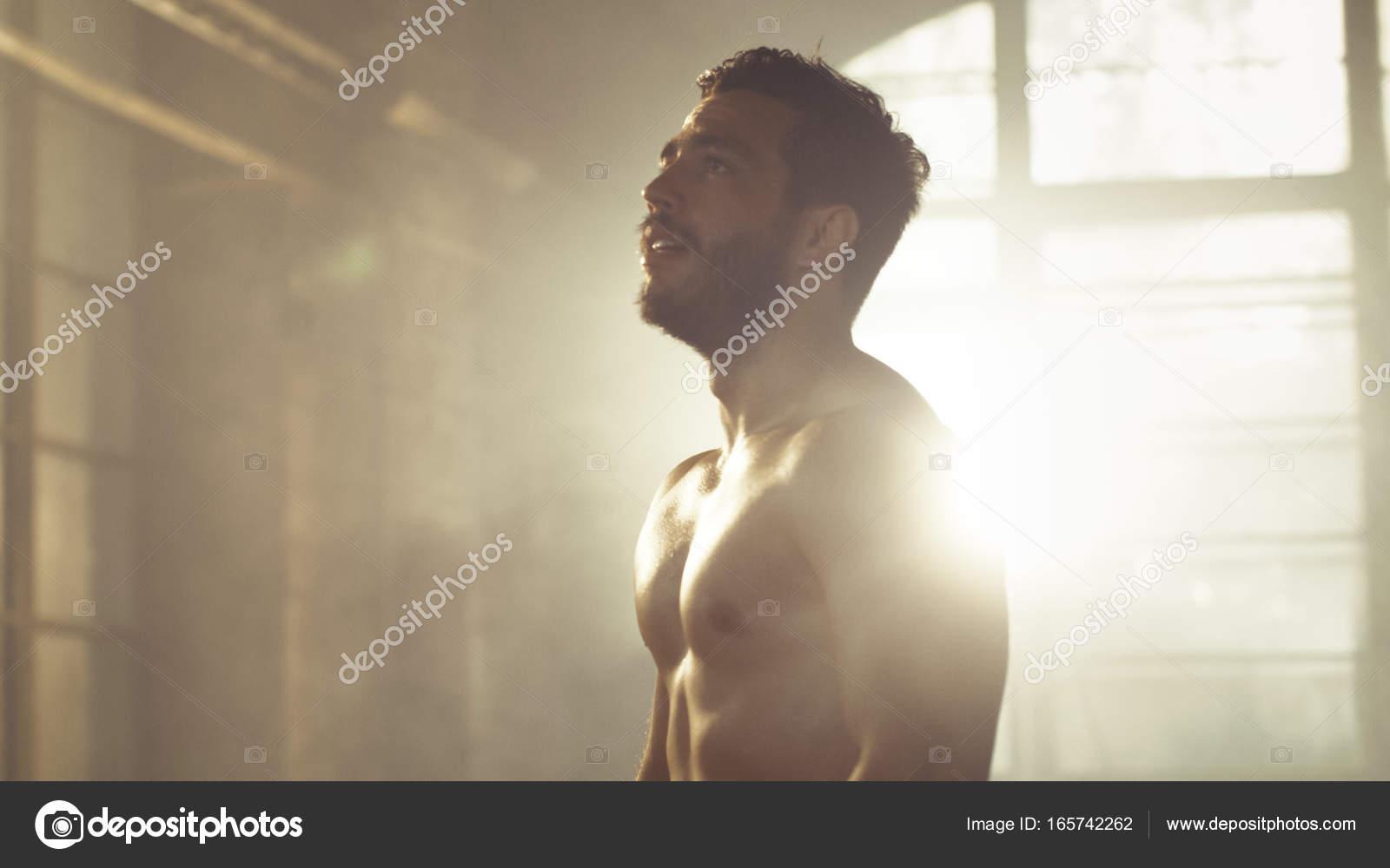 Schöner nackter Oberkörper Mann mit nackten muskulösen Oberkörper ...