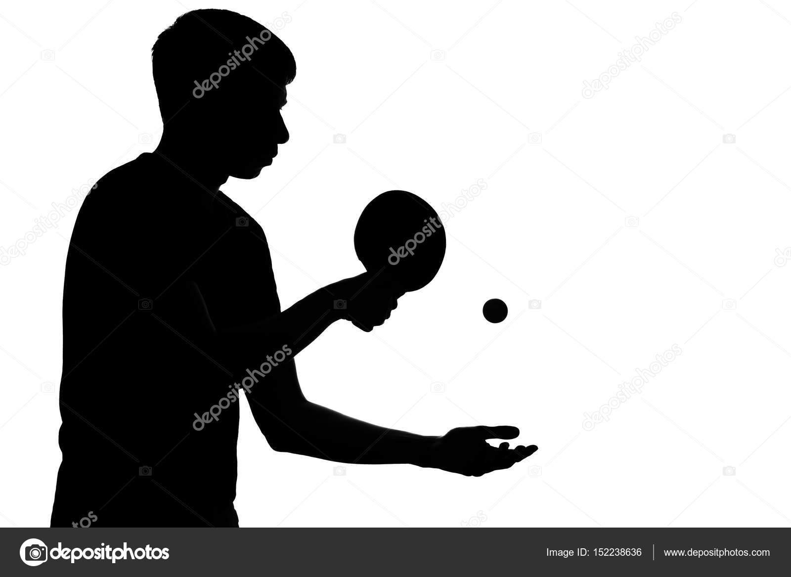 Silueta De Un Joven Deportista Que Se Prepara Golpear Una