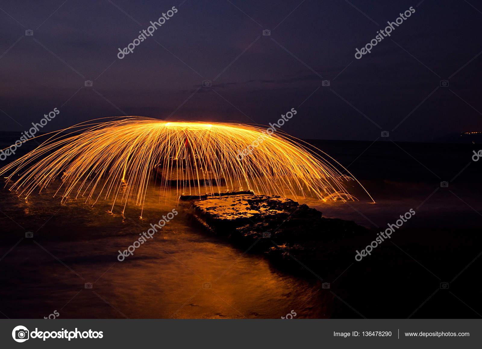 Ateş ışık Boyama Boyama Stok Foto Injenera 136478290