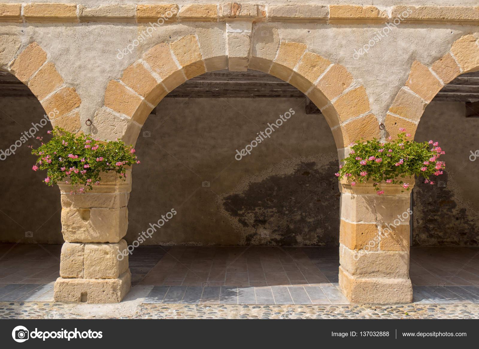 Stone Ark Village Of Navarrenx In The Pyrenees U2014 Stock Photo