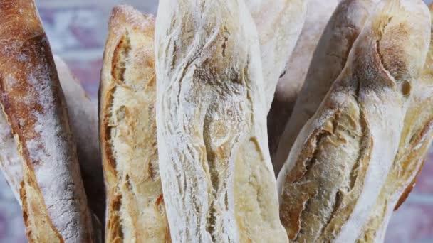 Mnozí francouzské bagety chleba v rotaci