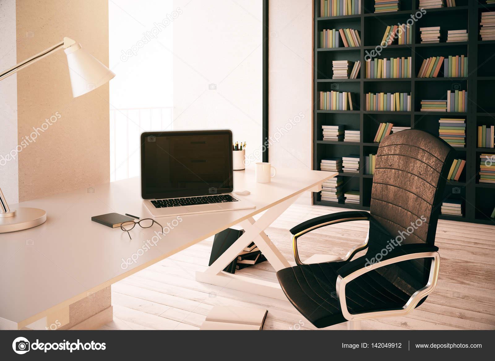 Libreria Ufficio Bianco : Chiuda in su del lavoro di ufficio con computer portatile in bianco