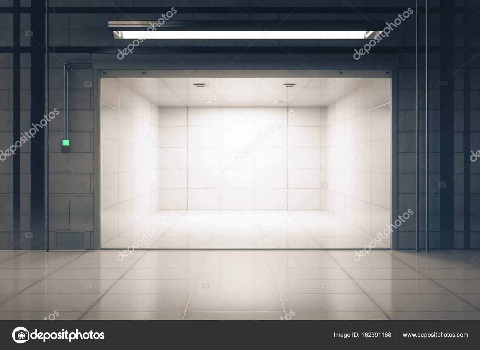 Garage di grunge con il portello aperto u2014 foto stock © peshkov