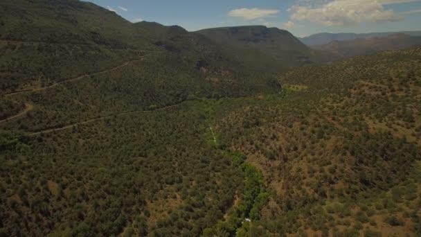 Légi videó a Fossil Creek területén, Arizona.
