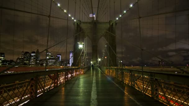 Time lapse of the Brooklyn bridge in New York City.