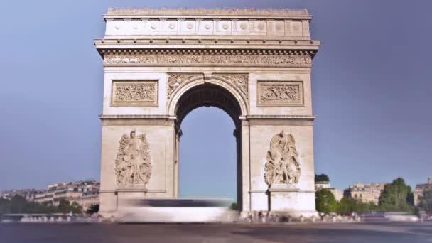Zeitraffer auf den Arc De Triomphe in Paris.