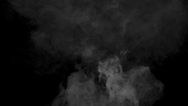Oblak kouře z cigaret vape