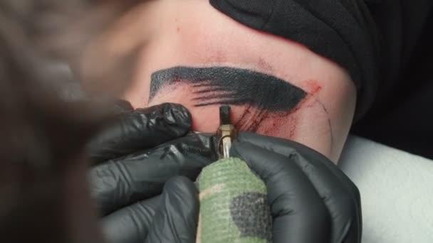 Lövöldözés férfi tetováló csináltatni tetoválás kígyó