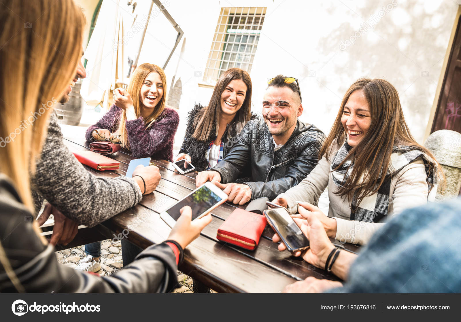 Resultado de imagem para interação de amigos
