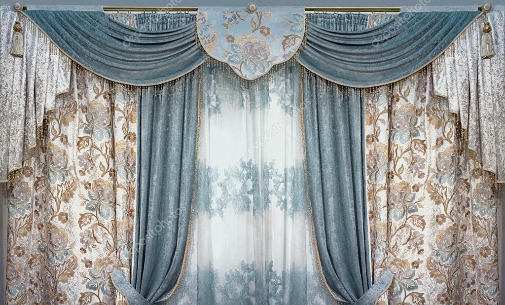 luxe interieur is ingericht in de stijl van het paleis gordijnen gordijnkast en tule van natuurlijke materialen foto van fotiy