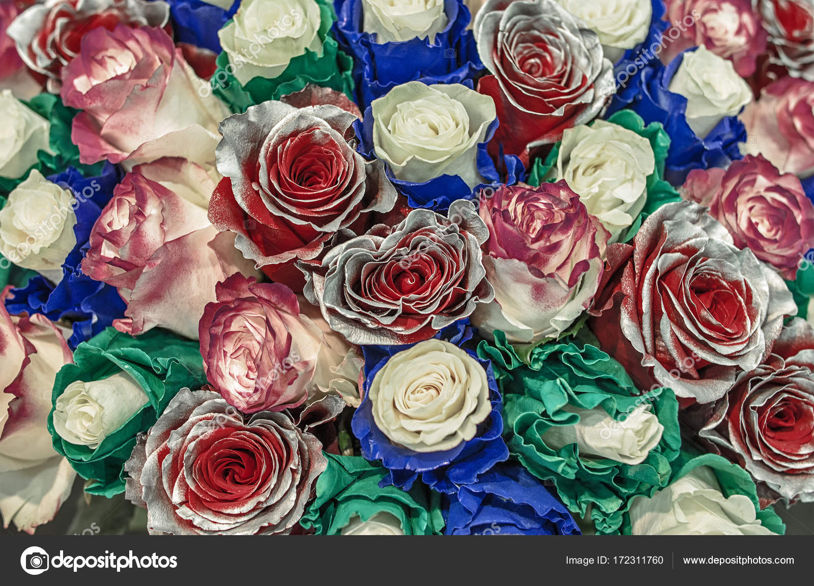 Ramo de rosas inusuales. Camaleones de flores con pétalos azules y ...