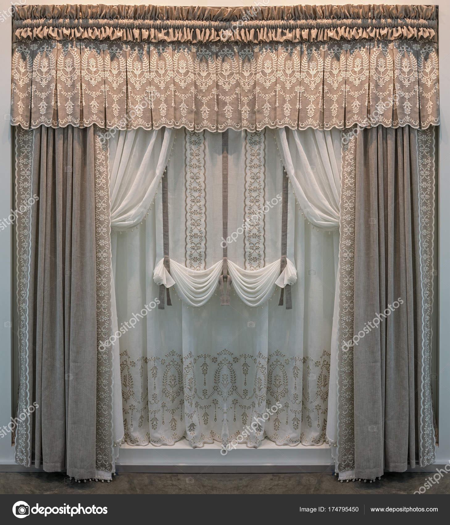 Dekoration Der Fenster Mit Leinentuch Sanften Pastellfarben Vorhange