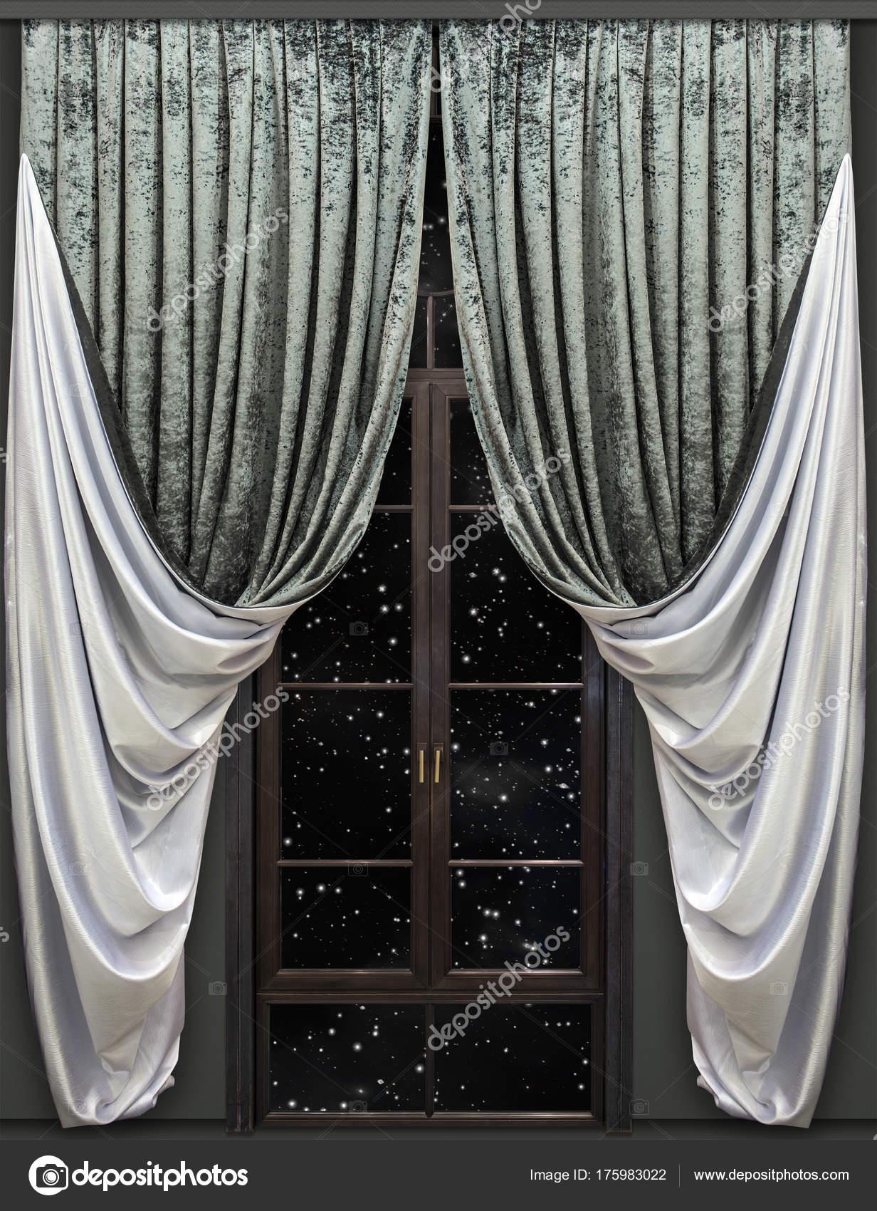 Rechte Fluwelen gordijnen hangen boven de deur af te sluiten in de ...