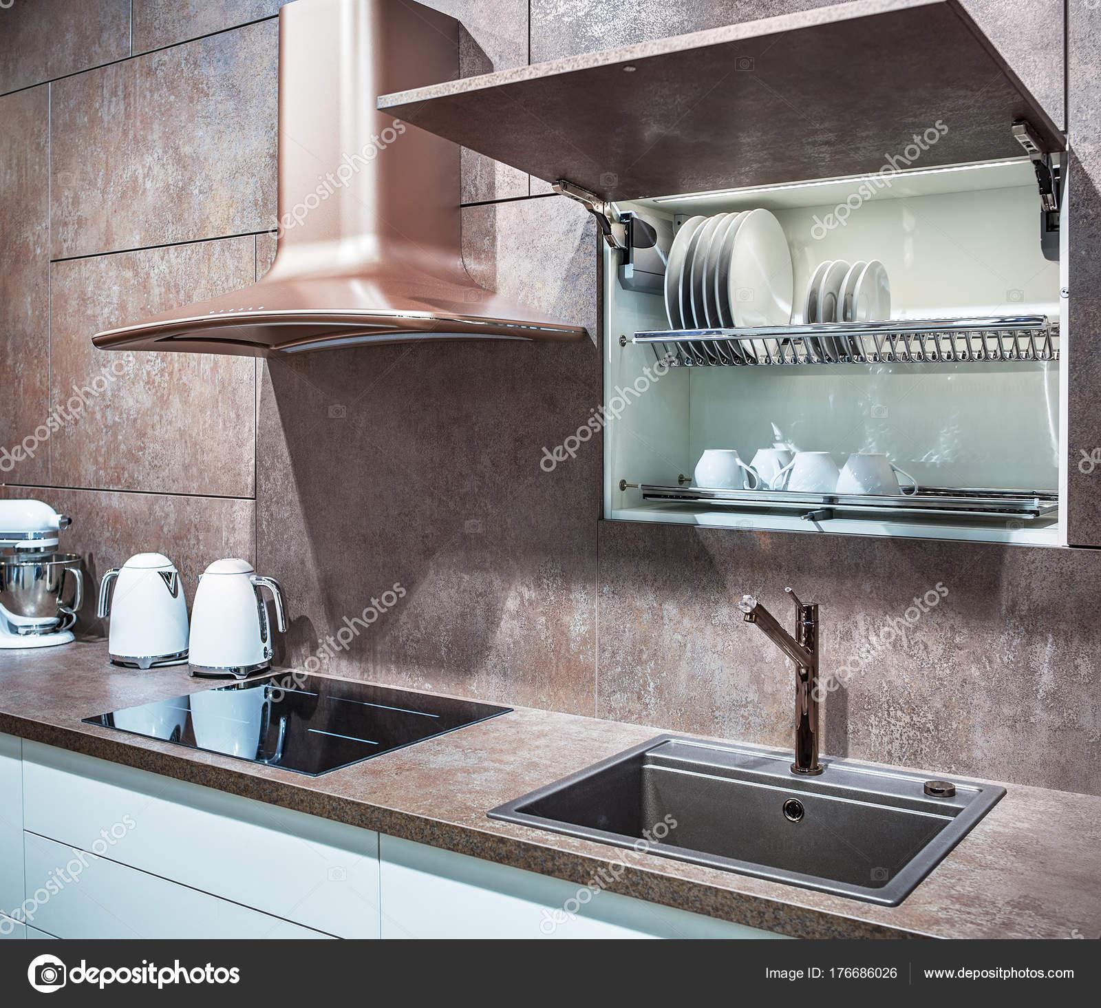 Cuisine Propre Et Moderne Dans Un Style Loft Une Plaque Induction