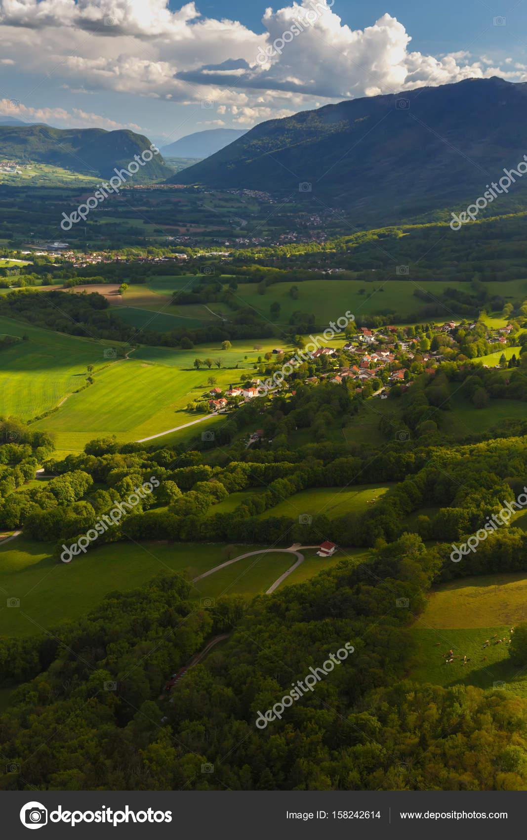 Paesaggi Estivi Delle Montagne Del Jura In Francia Mostra Dal Cielo