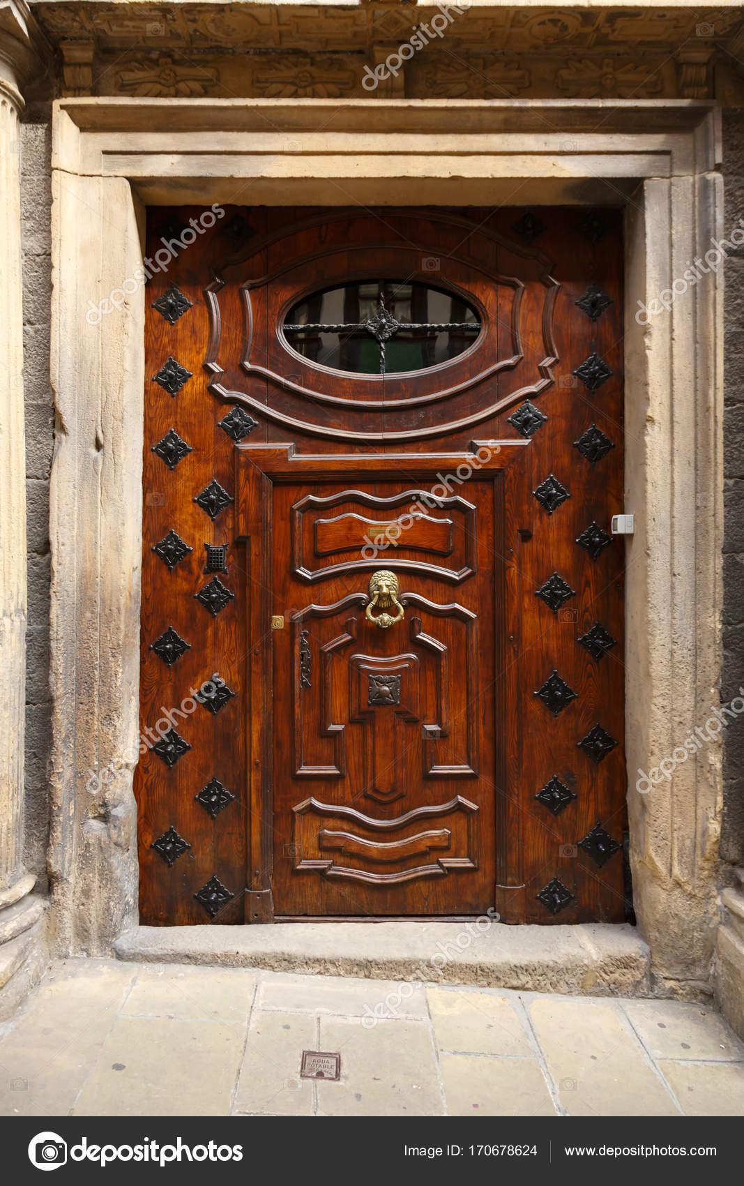 Fotos Puertas Lujosas De Madera Entrada Al Edificio Hermosa