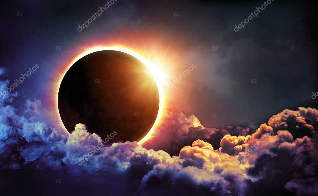 Фотообои Solar Eclipse In Clouds