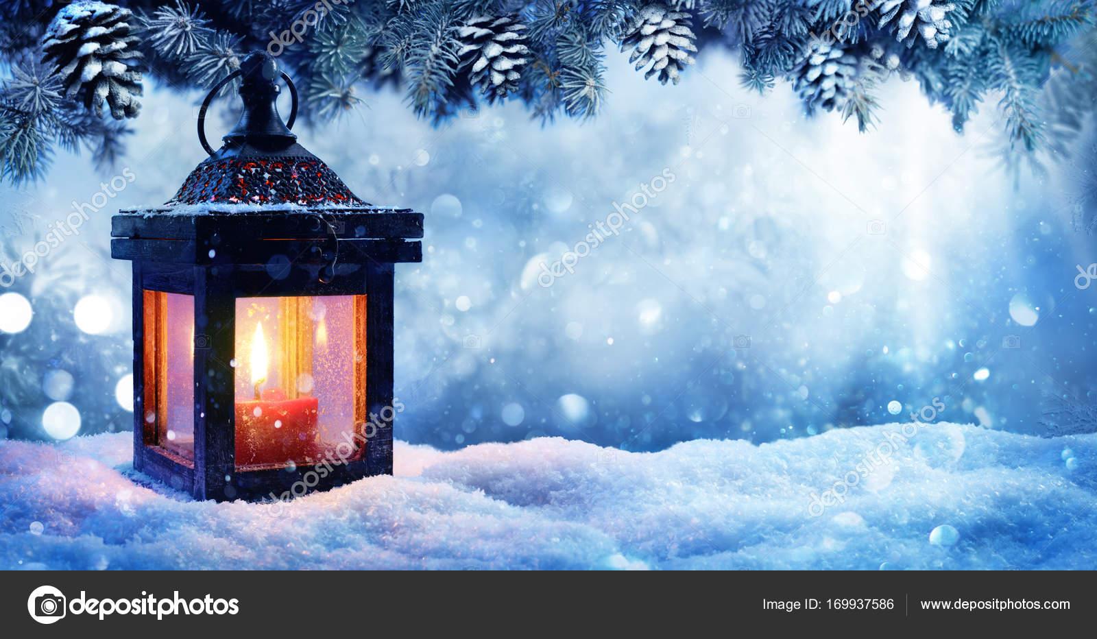 Weihnachten Laterne im Schnee mit Fir-Niederlassung In Abend Szene ...