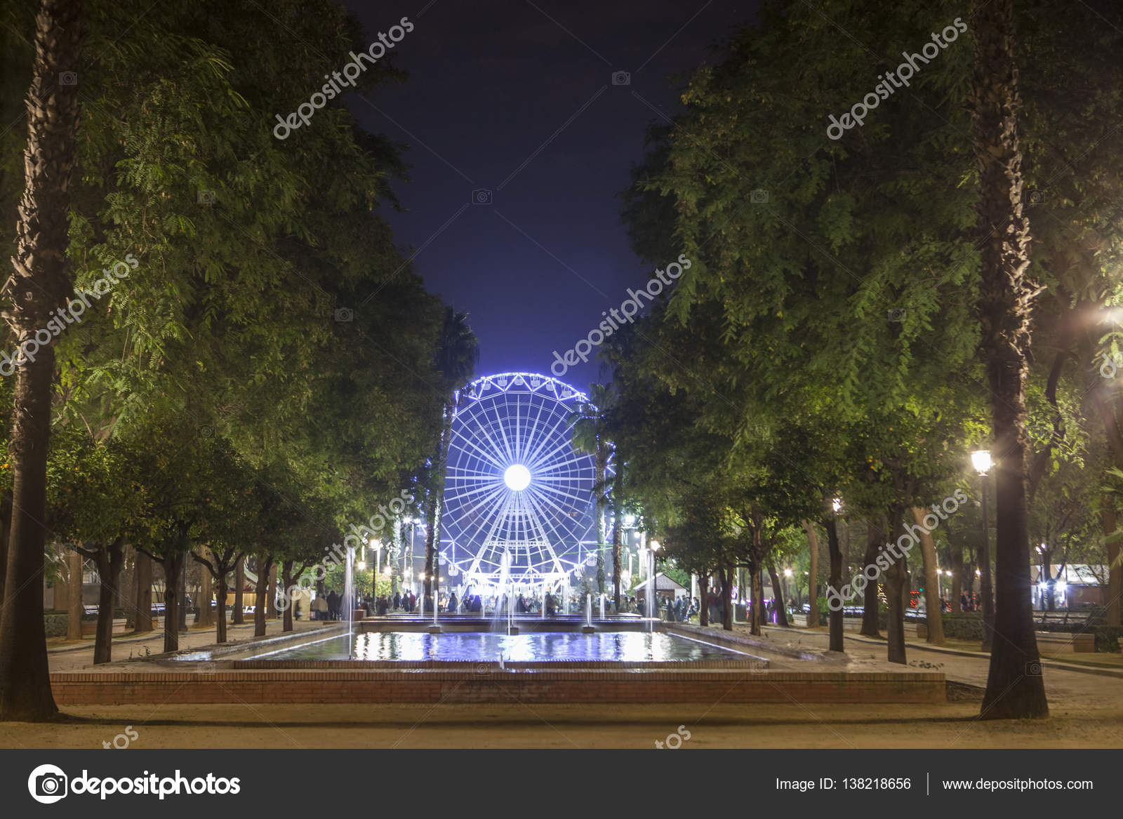Riesenrad auf Weihnachten in Sevilla, Spanien — Stockfoto ...