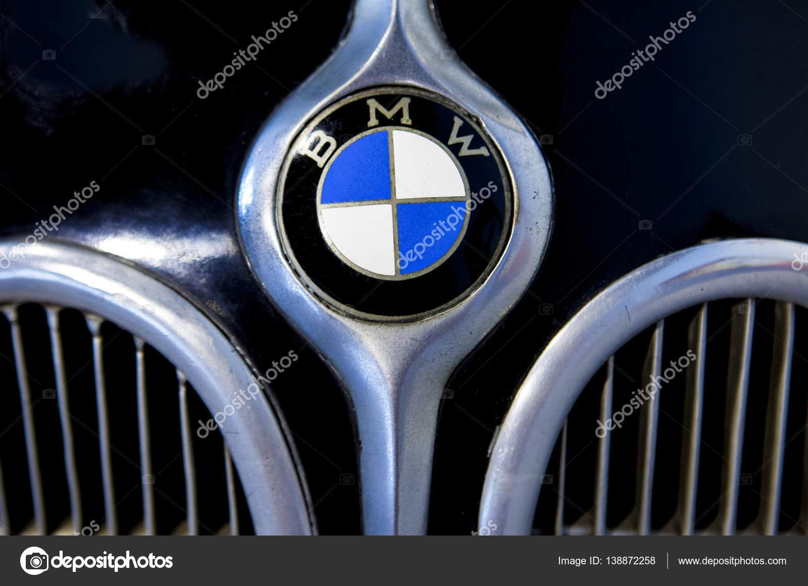 Bmw Logo Merk Buiten De Auto Redactionele Stockfoto