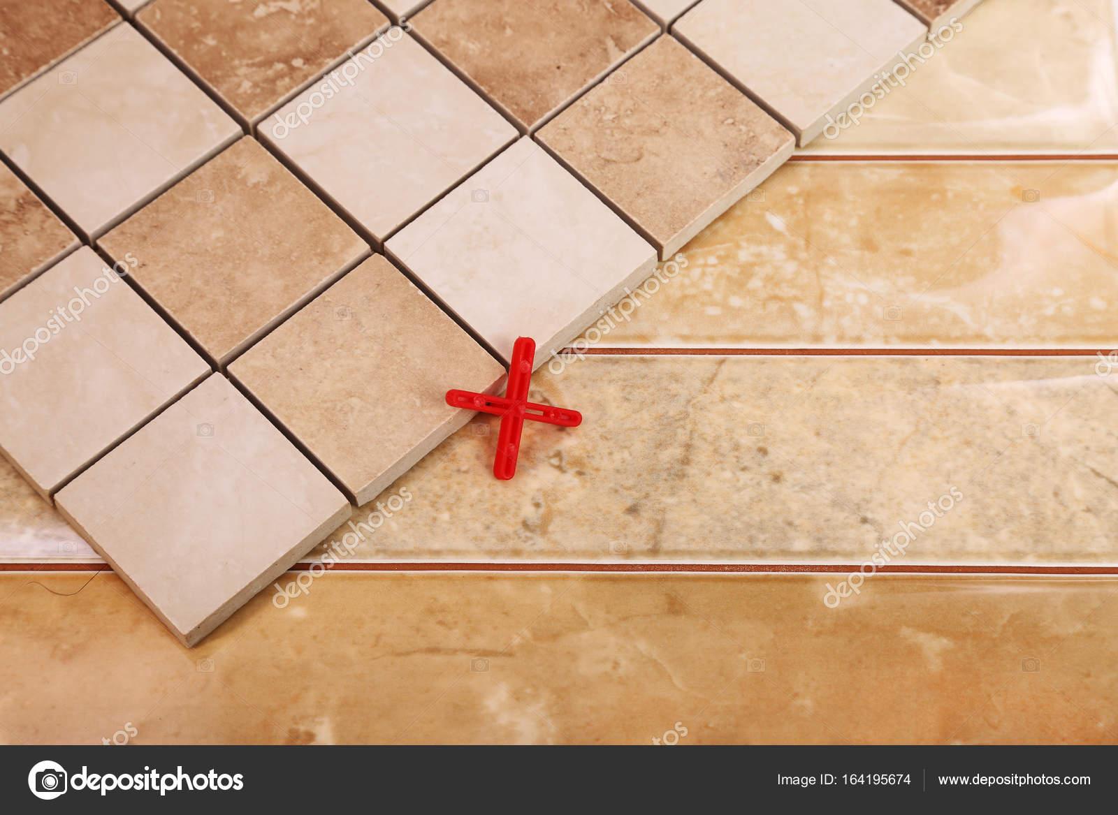 Popolari piastrelle per bagno e cucina — Foto Stock © -Taurus ...