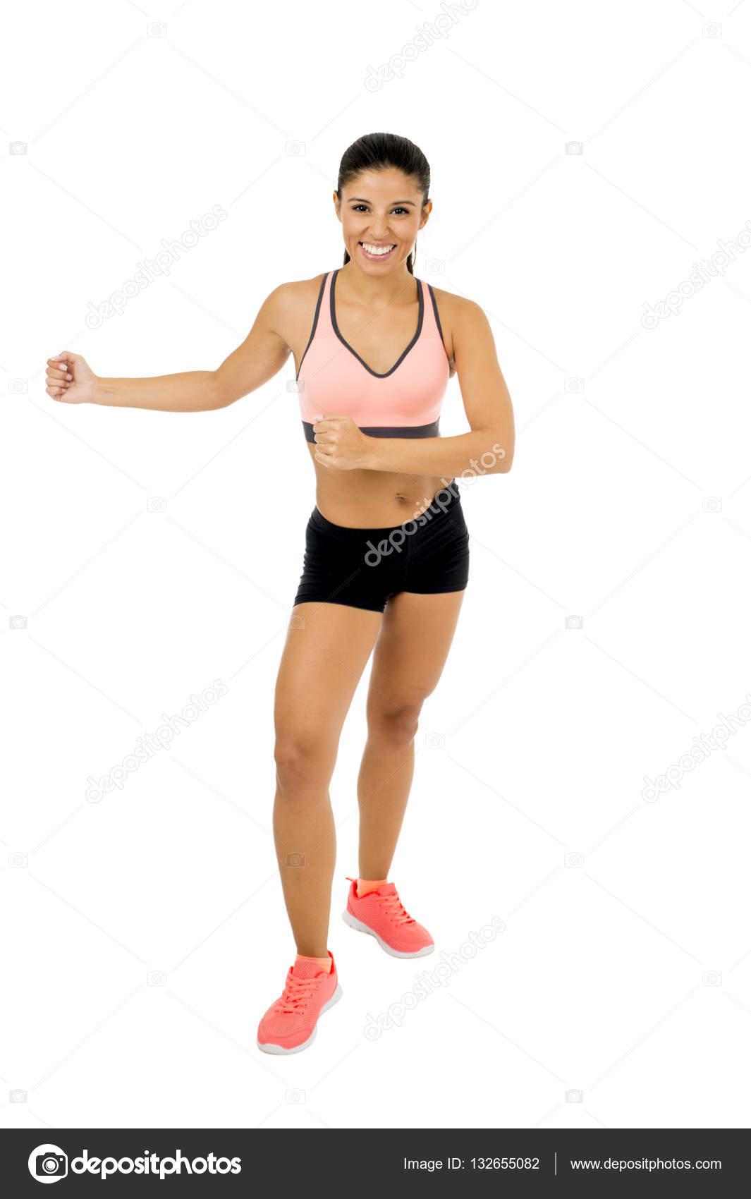 Обтягивают трусики молодая девчонка на тренировке танцами девушка сексуальном