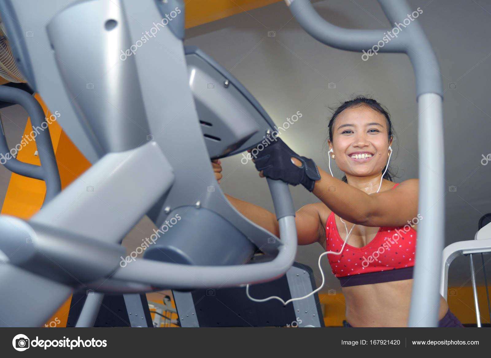 Sexy asian gym girl 5