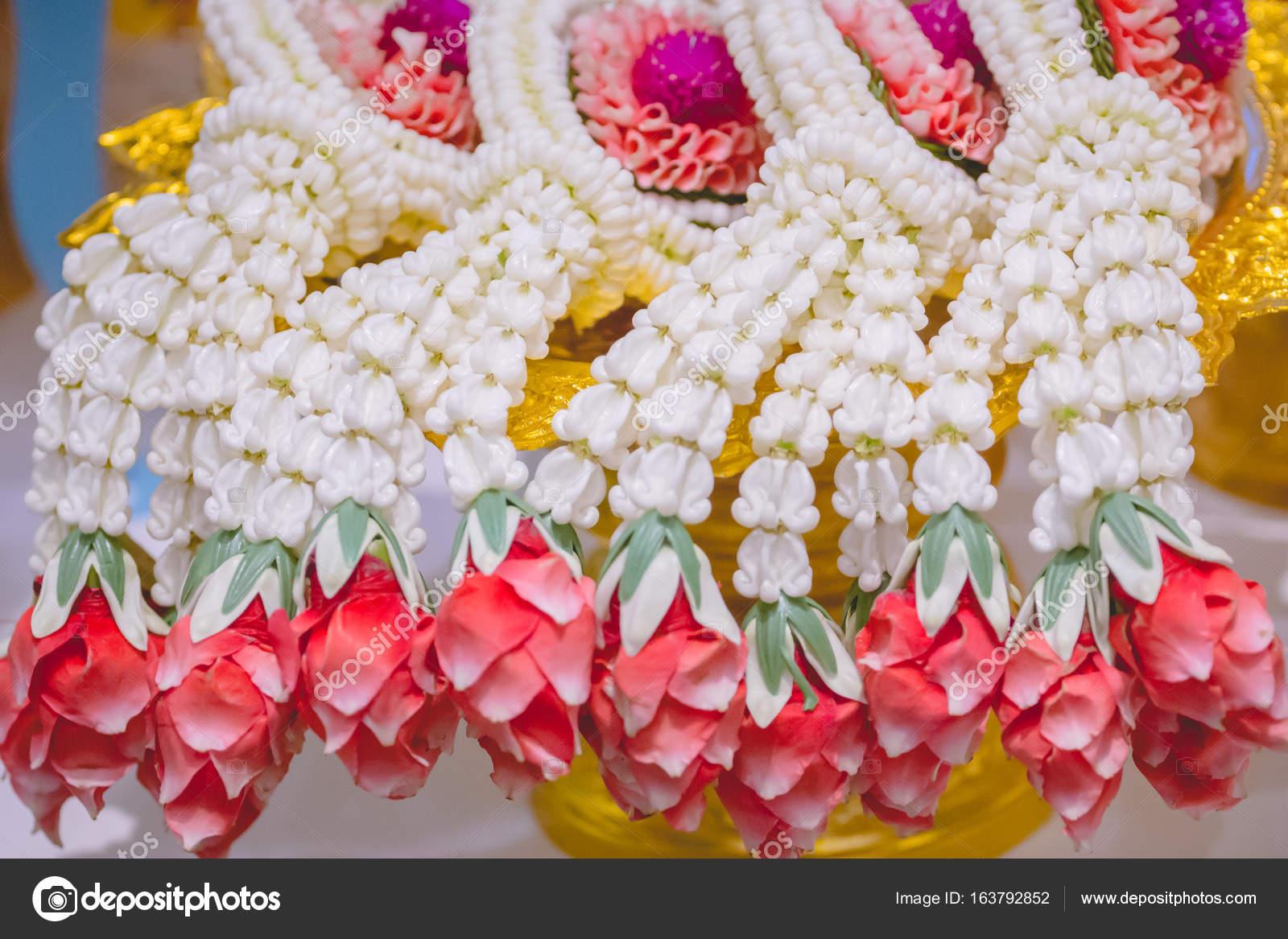 Hochzeit Zeremonie Dekoriert Mit Bunten Blumen Stockfoto
