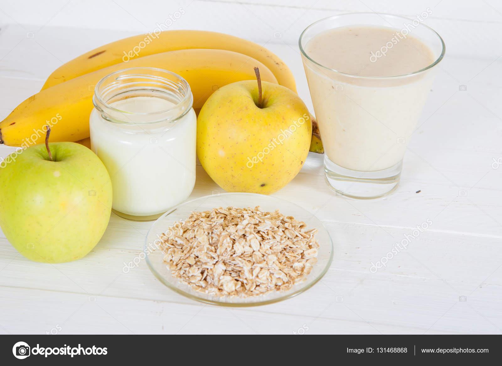 Batido cremoso de plátano y manzana