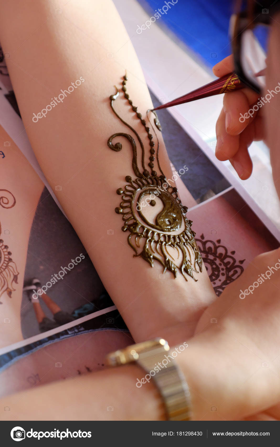 Artist Drawing Henna Pattern Woman Hand Tradition Art Indian