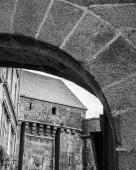 Fotografie Detail stonewall oblouk, Bretaň, Francie, Evropa