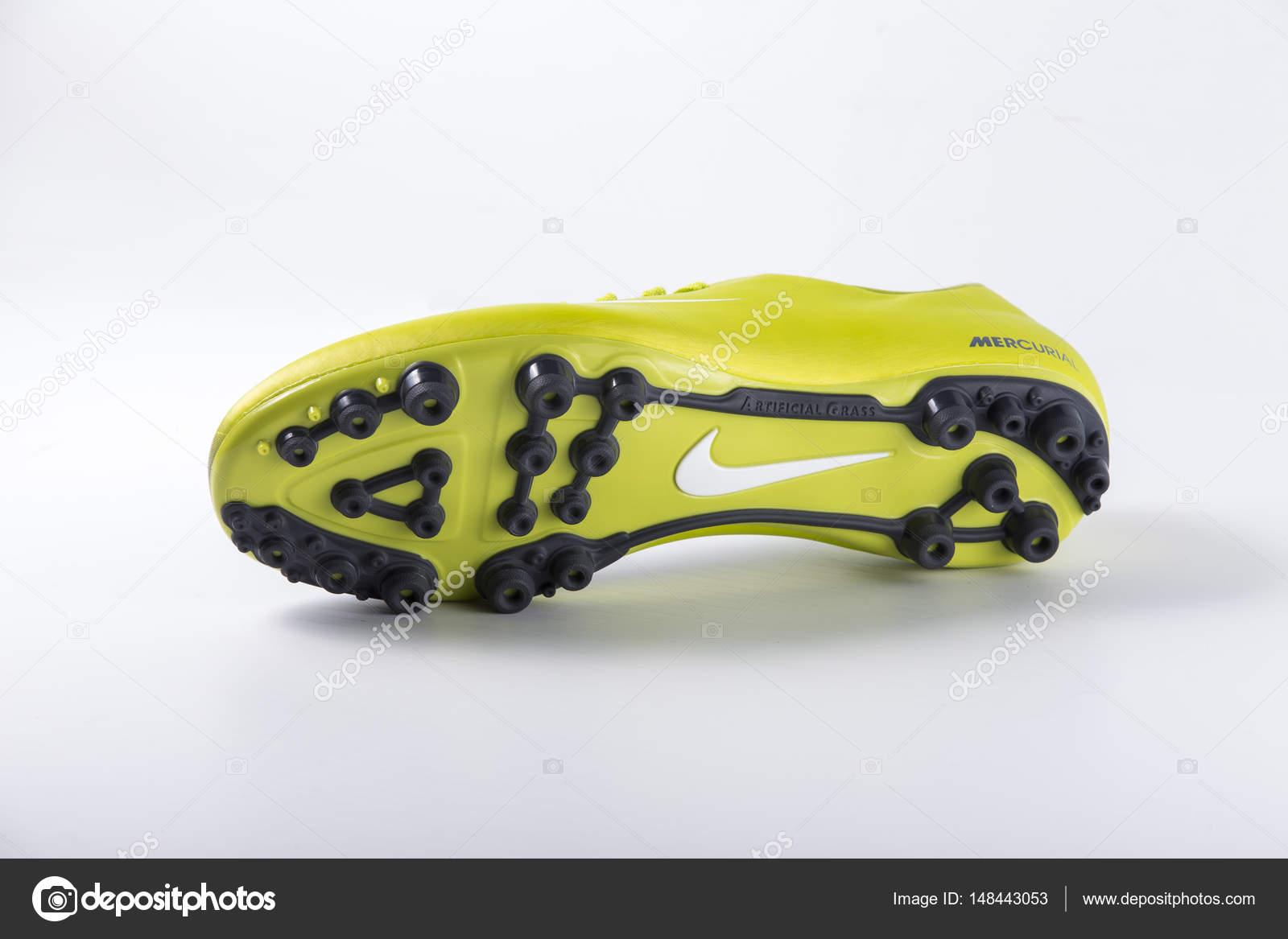 31 Bianco Colpi Isolato Multinazionale Nike 2017 — Nike Azienda Su Marzo Foto Prodotto Di Portogallo Afife Calcio Scarpe Da Georgevieirasilva 6Bw5Wq