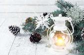 Vánoční latern na bílém pozadí dřevěná