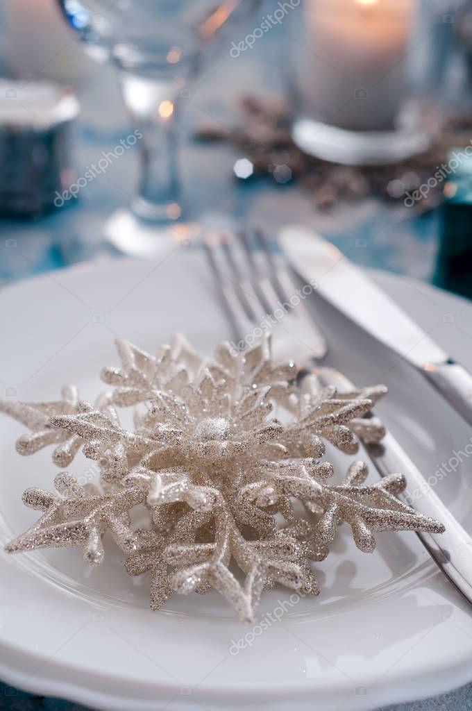 Silber Creme Weihnachten Tischdekoration Mit Dekorationen