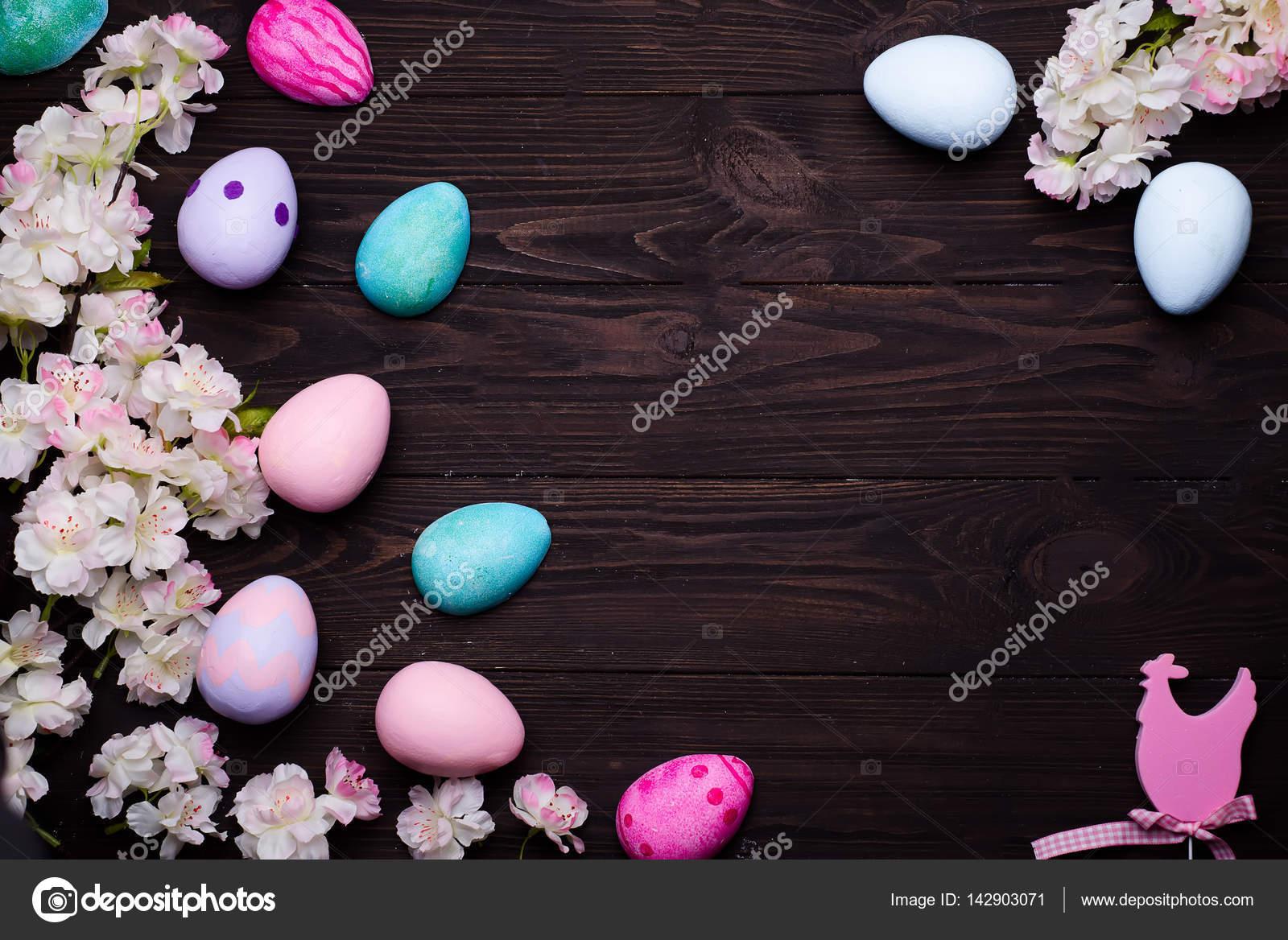 Rahmen mit Blumen und Eiern — Stockfoto © lyulka.86 #142903071