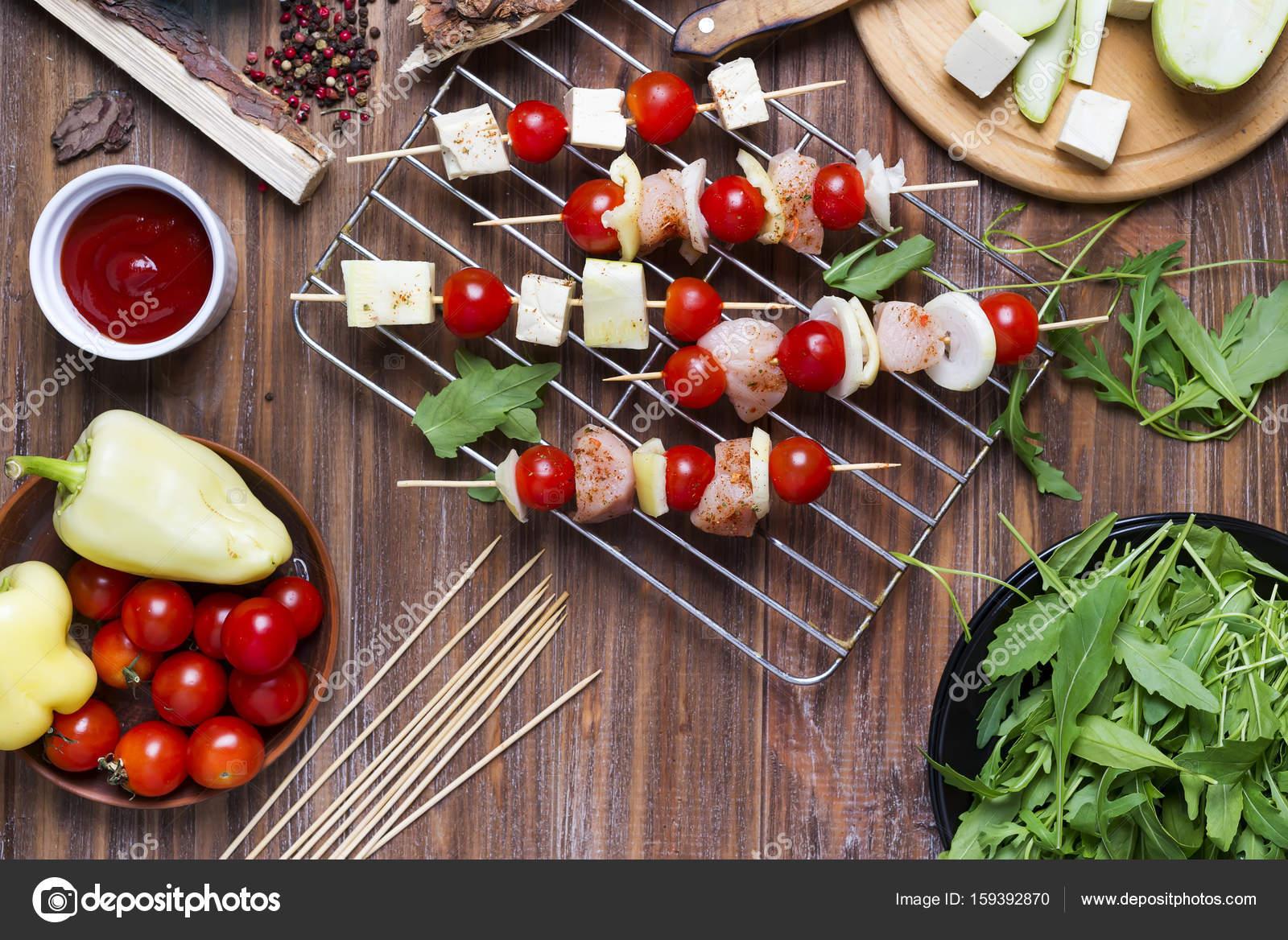 Herstellung Kebab aus Hühner — Stockfoto © lyulka.86 #159392870