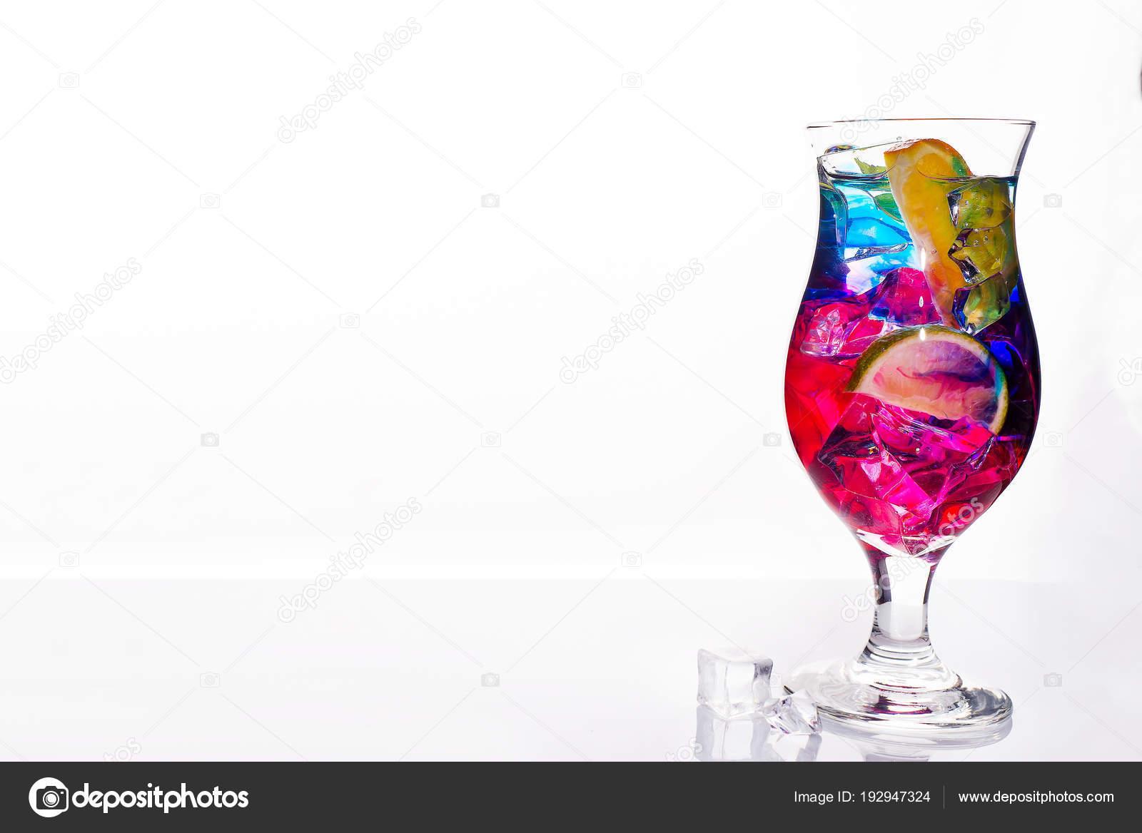 Cócteles Coloridos Adornadas Con Bebidas Alcohólicas Cítricos ...