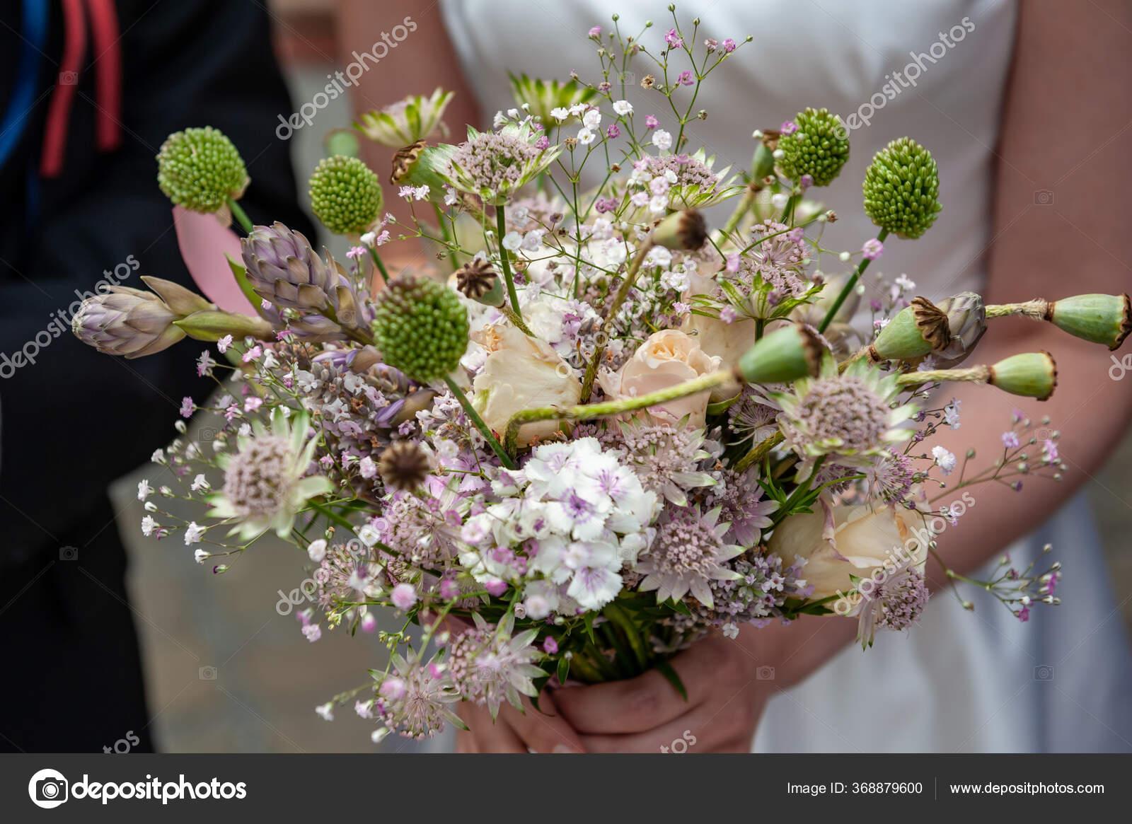 Bride Holding Purple White Pink Boho Bouquet Beautiful Bouquet Wild Stock Photo C Baisa 368879600