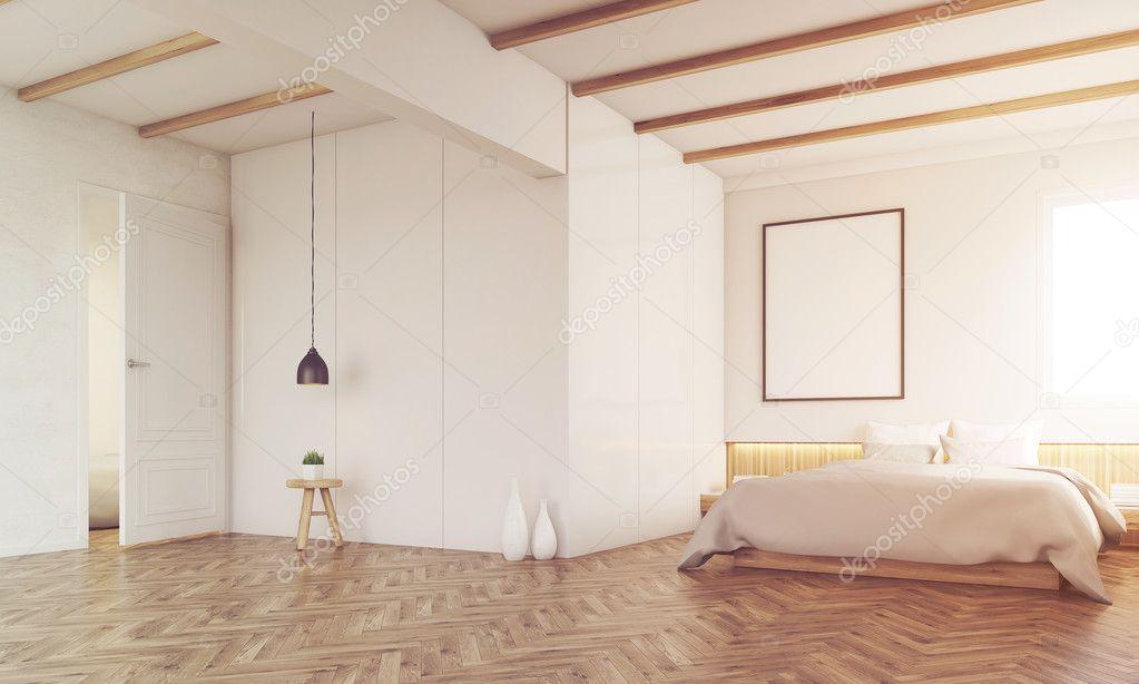Chambre avec poutres apparentes, tonique — Photographie ...
