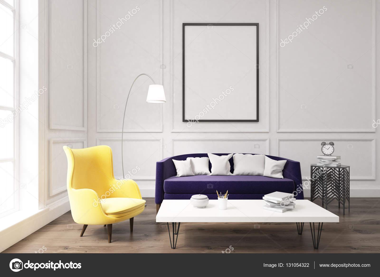 Paarse Decoratie Woonkamer : Woonkamer interieur met paarse bank u stockfoto denisismagilov