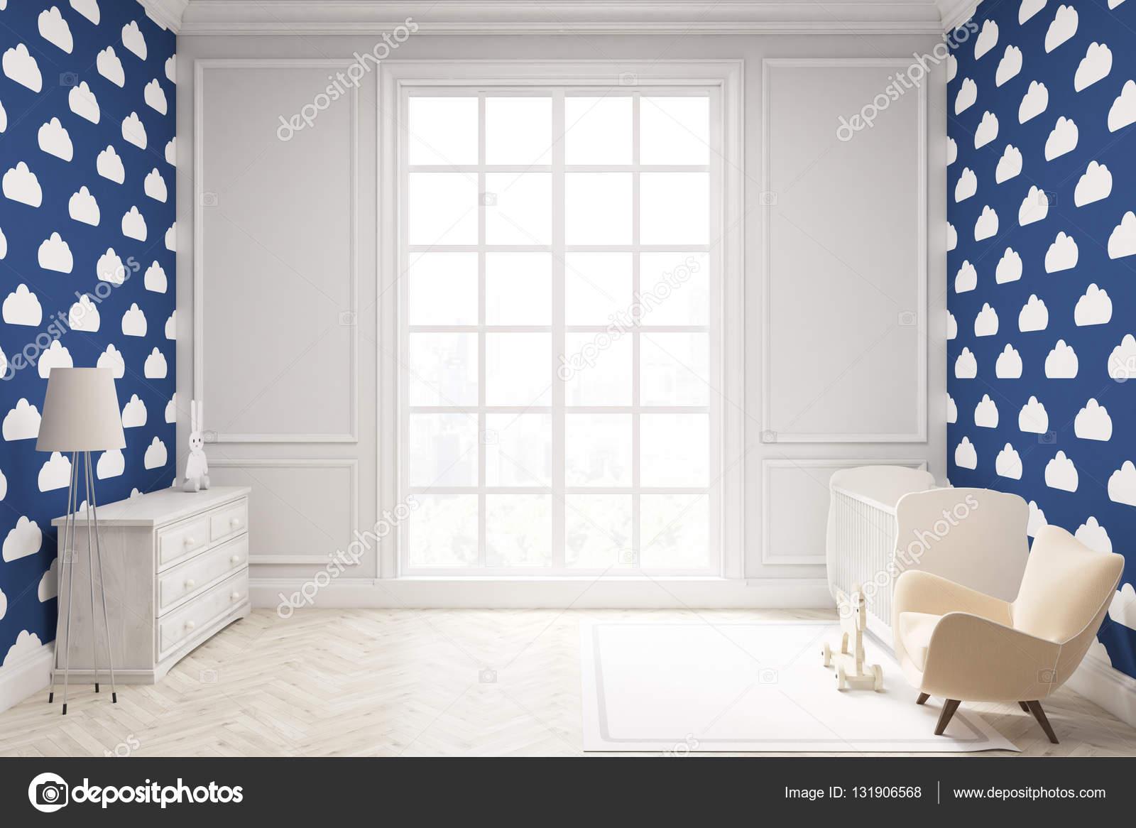 Behang Voor Kinderkamer : Kinderkamer met cloud behang op donker blauwe muur u stockfoto
