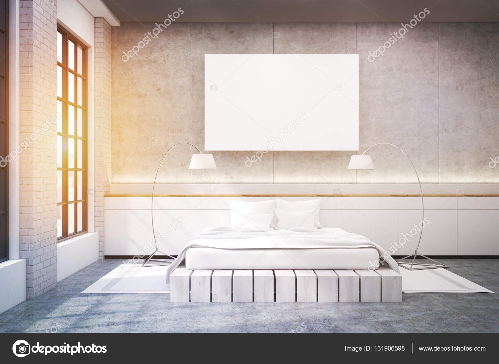 Grote Slaapkamer Lamp : Grote slaapkamer met een tweepersoonsbed een poster en twee