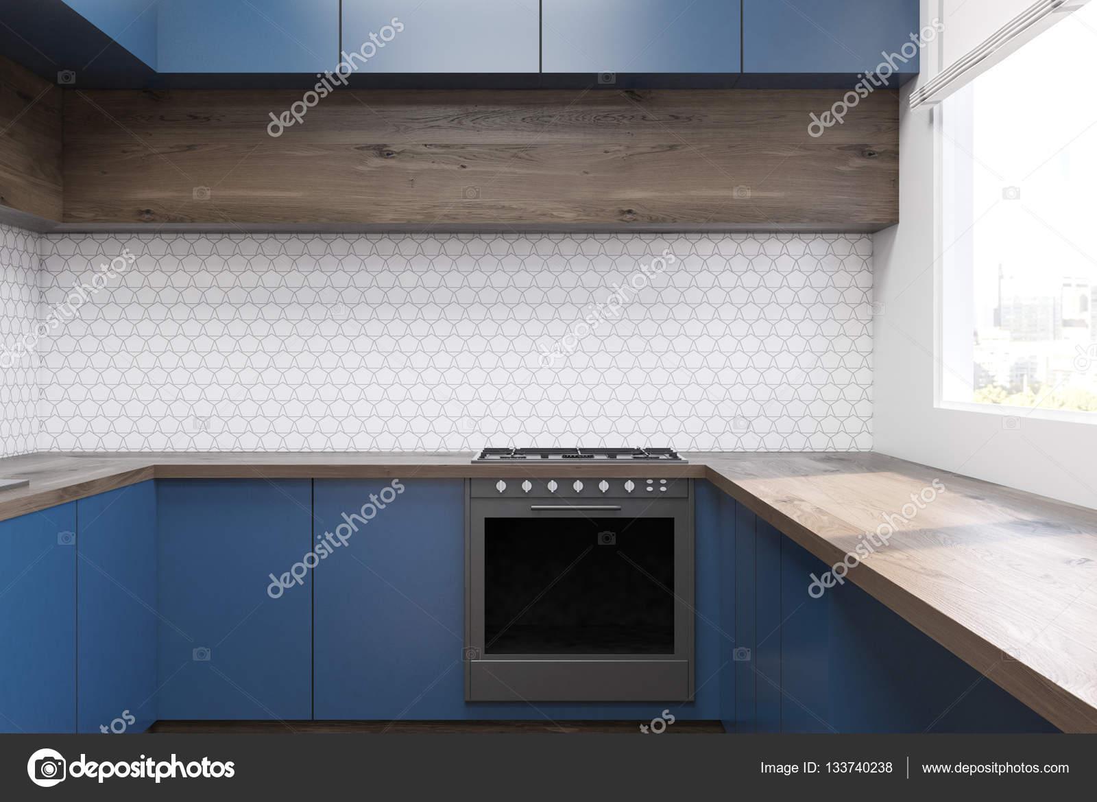 Interiore della cucina con mobili blu — Foto Stock © denisismagilov ...