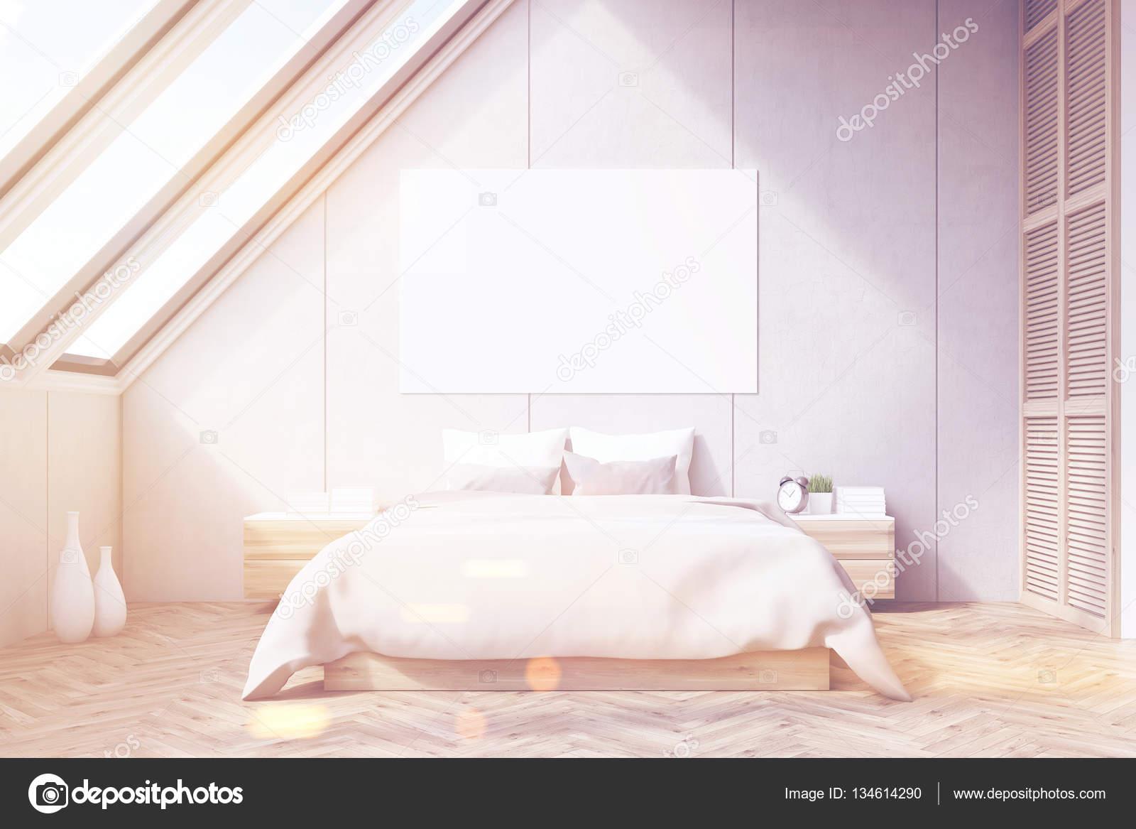 다락방 침실, 나무 바닥, 톤 — 스톡 사진 © denisismagilov #134614290