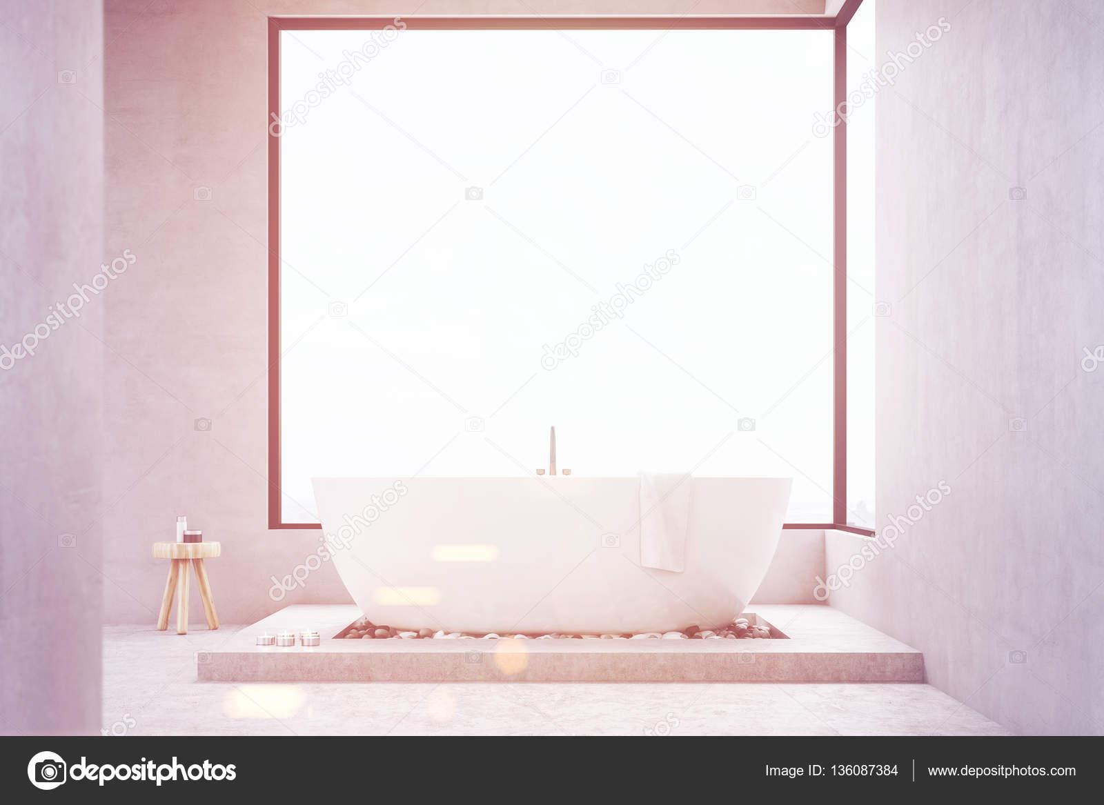 Badkamer met vierkante venster toned — Stockfoto © denisismagilov ...