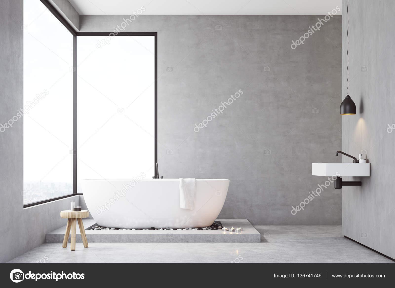 Betonnen Badkamer Muur : Badkamer met betonnen muren u stockfoto denisismagilov
