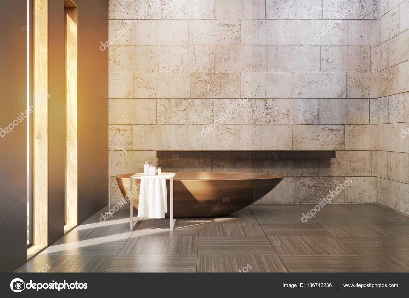 Betonnen Badkamer Muur : Oude badkamer met betonnen muren afgezwakt u stockfoto