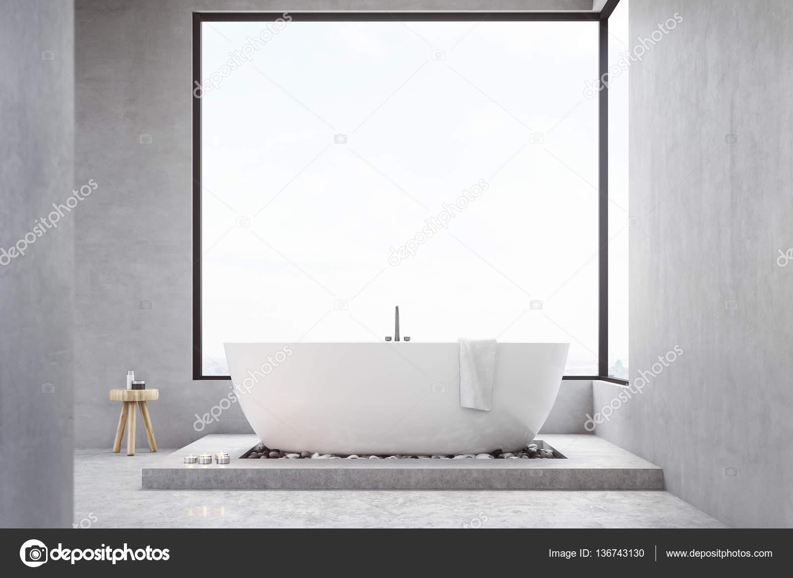 Badkamer met vierkante venster — Stockfoto © denisismagilov #136743130